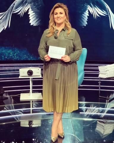 Carlota Corredera en una imagen como presentadora de Rocío, contar la verdad para seguir viva