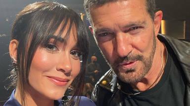 Aitana y Antonio Banderas en Los Goya