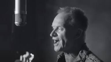Sting estrena 'Rushing Water' con su videoclip: una nueva canción para su próximo álbum, 'The Bridge'