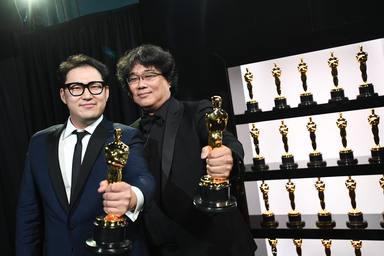 La surcoreana 'Parásitos' sorprende y hace historia en los Oscars
