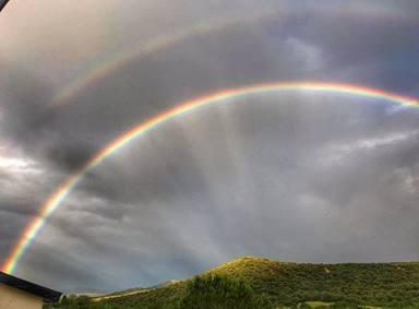 Dani Rovira comparte un arcoíris, un enorme regalo del cielo