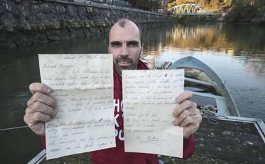 Troben a un riu una carta d'amor escrita fa 55 anys