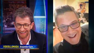 Alejandro Sanz y Pablo Motos entre risas en su entrevista en El Hormiguero: Quédate en casa