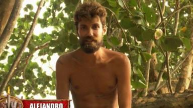Alejandro Albalá es atendido en plena prueba de 'Supervivientes'