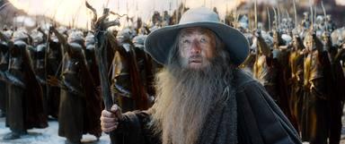 Un joven recorre Nueva Zelanda vestido de Gandalf