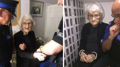 El desig pot comú d'una àvia: ser detinguda per la policia