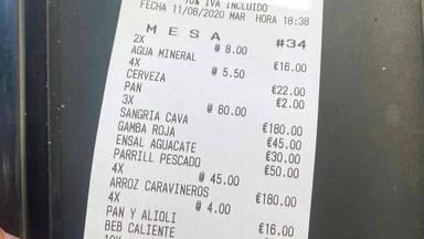 La cuenta en un bar de Formentera