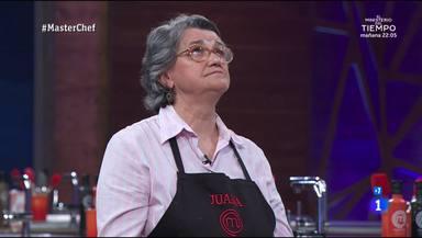 Juana no puede aguantar las lágrimas y rompe a llorar en 'MasterChef'