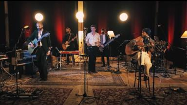 'Flor de primavera' es la canción de la banda 84 que suma a Marlon y nos presenta un nuevo álbum