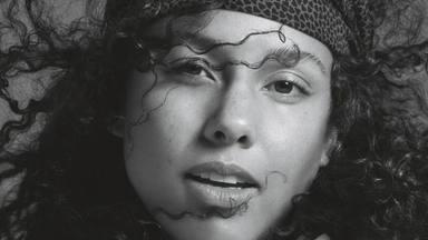 """Alicia Keys con su canción """"Underdodg"""" manda un menaje con 'compromiso'"""