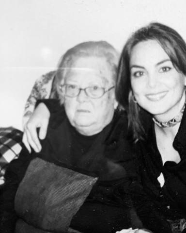 Mónica Carrillo recuerda a su abuela fallecida