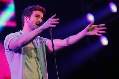 La aplaudida respuesta de Pablo Alborán a un seguidor que le acusó de cantar en playback