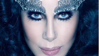 """Cher recuerda que """"comencé en 1965"""" y lo celebramos con 5 de sus canciones"""