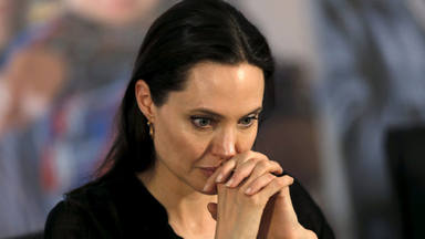 Angelina Jolie recuerda a su madre fallecida y le dedica unas palabras a sus hijos