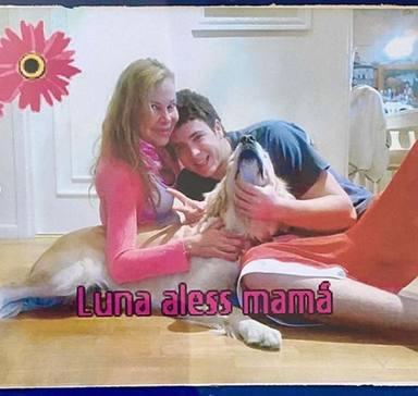Ana Obregón con Aless Lequio y la perrita Luna