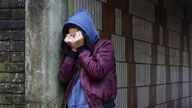 Cherofobia, el miedo irracional a ser feliz