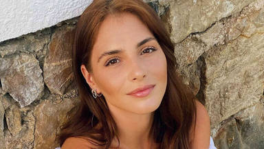 Andrea Duro aviva los rumores de embarazo con una foto acariciando su barriguita