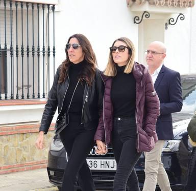 Familiares y Amigos dan el ultimo adios a la madre de Paz Padilla en Cadiz