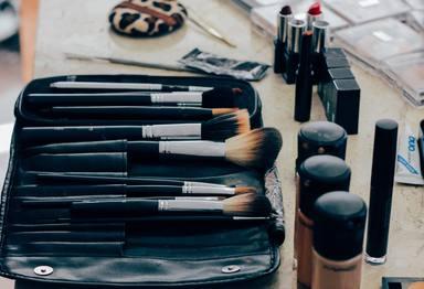 ¿Com sabem si ha arribat l'hora de llençar el maquillatge a les escombraries?