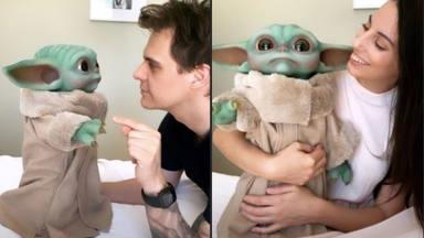 Baby Yoda, la nueva compañía de Christian Gálvez y Almudena Cid en casa