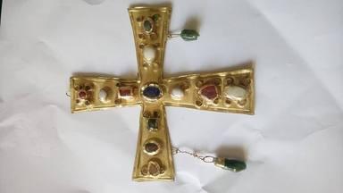 Cruz del tesoro visigodo
