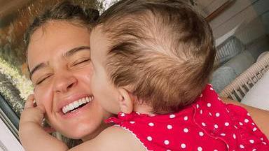 Laura Escanes explota con quienes juzgan cómo cría a su hija