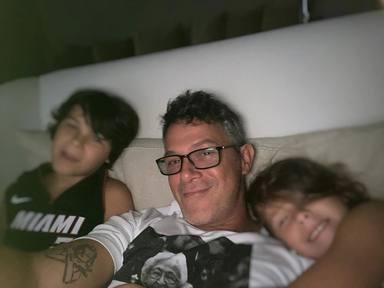 Alejandro Sanz cita con sus hijos