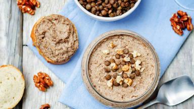 Hummus de lentejas: la tapa más fácil para comer legumbres