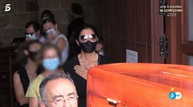 Paz Padilla da el último adiós a su marido entre sonrisas y lágrimas