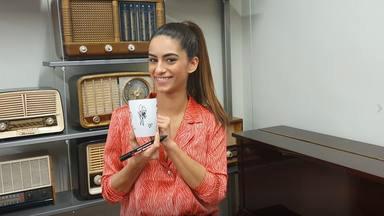 ¿Quieres ganar esta taza de CADENA 100 firmada por Begoña Vargas?