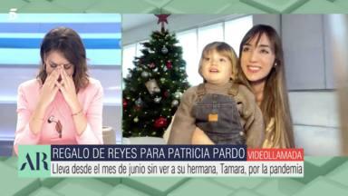 Patricia Pardo sorprendida por la sorpresa de ver a su familia