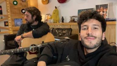 """¿Qué están tramando Antonio Orozco y Sebastián Yatra?: """"Vienen curvas"""""""