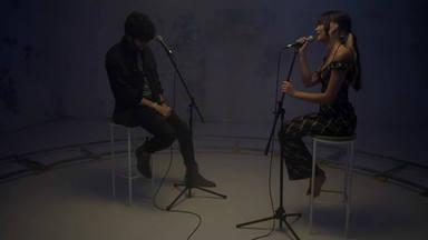 """Aitana y Sebastián Yatra enamoran con su versión acústica de """"Corazón Sin Vida"""""""