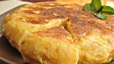 Descubre el tremendo error que cometemos al cocinar una tortilla de patatas y que debemos evitar