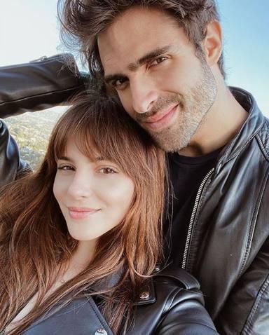 Andrea Duro y Juan Betancourt, muy enamorados