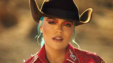 """Karol G lleva a Anuel AA y J Balvin al desierto para el videoclip de """"Location"""""""