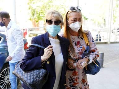 Belén Esteban acompaña a Mila Ximénez al hospital