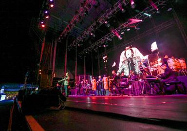 Raphael ofreció un espectáculo a la altura de su grandeza al público del Concert Music Festival