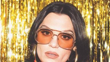 La artista británica Jessie J pone en valor el paso del tiempo fijándose en la unión de sus padres