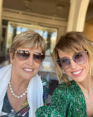 Emma García junto a su madre