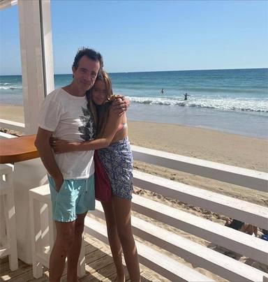 Javier Gallego junto a su hija