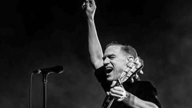 Bryan Adams cumple 61 años y su música todavía retumba en nuestras almas