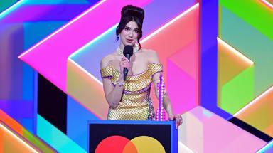 Así han sido los premios BRIT 2021, con Dua Lipa reinando en galardones y brillando en actuaciones