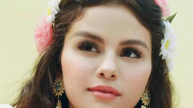 Selena Gomez canta, por fin, en español: lanza De una vez y promete otro tema más