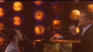 Alicia Keys y James Corden hacen su versión casera de 'Shallow'