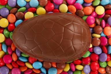 Com fer ous de Pasqua de xocolata casolans perfectes