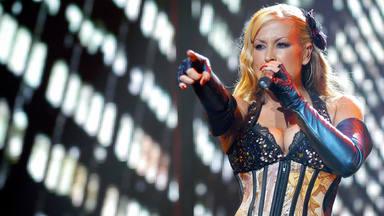 Anastacia en uno de sus populares conciertos de los 2000, cuando arrastraba a las masas