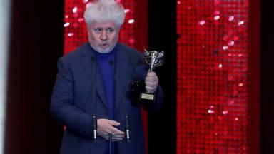 Almodóvar arrasa als Premis Feroz