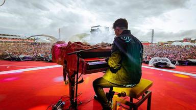 Alfred García reaparece para anunciar que lanzará un álbum con su concierto de Barcelona