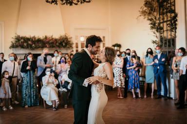 Un estudio determina los gustos musicales de los españoles a la hora de escoger banda sonora para sus bodas
